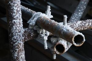 article-new-thumbnail-ehow-images-a07-m8-rj-minerals-metals-water-pipes-800x800